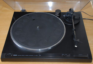 Yamaha TT-400U Turntable