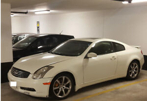 Infiniti G35 Coupe - Performance Package with Nav and Leather