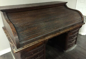 FANTASTIC ANTIQUE ROLL TOP DESK!