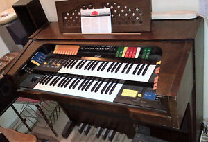 1970's ORCANA MODEL 1900 ELECTRIC ORGAN St. John's Newfoundland image 2