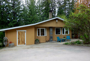 SALMON ARM - Cute and clean 3 bedroom rancher on 1.04 acres