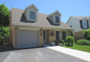 3 Bedroom Home Nestled in the Heart of Ancaster
