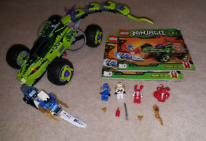 Complete Lego Set - Fangpyre Truck Ambush (9445)