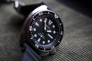 "BRAND NEW IN BOX  SEIKO Prospex AUTOMATIC SRP777 "" TURTLE "" 3 YEAR WARRANTY AUTHORIZED DEALER"