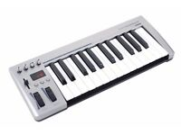 Acorn Masterkey 25 MIDI keyboard controller. Full-sized keys. As new in box.