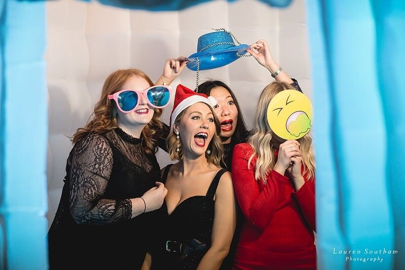 Photo Booth Hire From 163 199 Unlimited Prints Amp Props