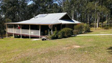 HOUSE to let.  2 bedroom plus study on 2 1/2 acres Yarravel Kempsey Area Preview
