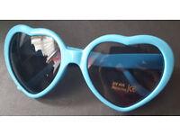 Heart shaped sunglasses - blue - NEW