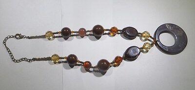 Collier ras du cou synthétiques avec perles brunes, oranges, jaunes et ocres tra