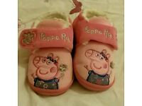 Peppa pig toddler slippers size 6-7