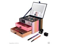 Seventeen Ultimate Collection blockbuster makeup gift set