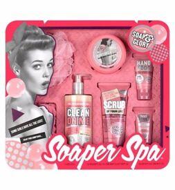 Soap & Glory Soaper Star Gift Set - Christmas Gift for Her £20