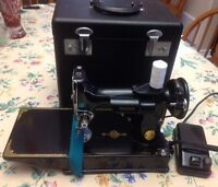 FEATHERWEIGHT Sewing Machine 221-1 by SINGER