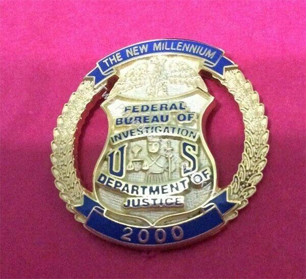 FBI GOLD MILLENNIUM YEAR 2000 LAPEL PIN