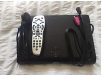 Sky + HD box DRX890 with remote, HDMi cable and power cord. BARGAIN.