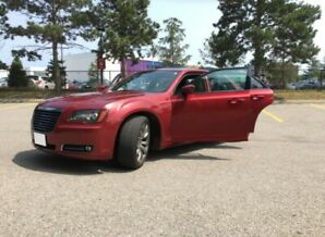 Excellent Condition 300S Chrysler - 2014 - Cherry Red