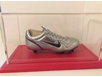 Thierry Henry. Signed football boot.