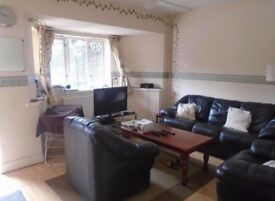 Very spacious 3 Double Bed Own Garden maisonette with own entrance located in Islington, N1.