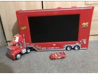 DISNEY CARS TV DVD player - Mac and Lightning McQueen