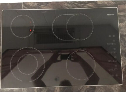 Miele 770mm ceramic glass  cooktop excellent condition
