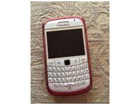 White 9780 blackberry bold