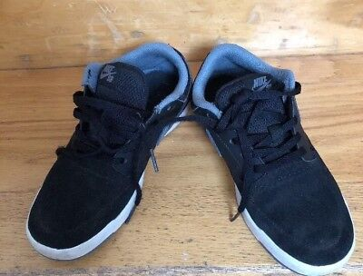 Nike SB  Black Shoes Youth Size 3,5
