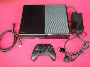 ★XBox One 500GB Console & Wireless Controller (Games $10-20 each) Logan Village Logan Area Preview