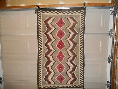VINTAGE NAVAJO INDIAN RUG CIRCA 1920 BEAUTIFUL NOT USED ON A FLOOR DECOR ONLY