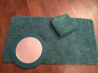Bathroom set (teal rug, mirror and two hand towels)