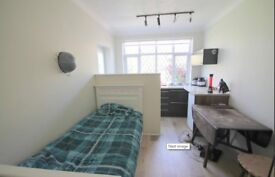 Great condition studio flat for rent