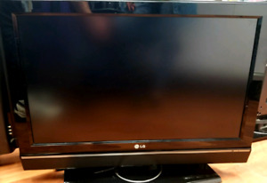"""Sale LG 32"""" HD TV With Dolby Sound"""