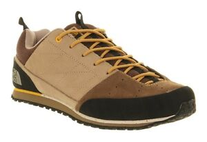 Men's hikers sneaker shoes size 11 - north face