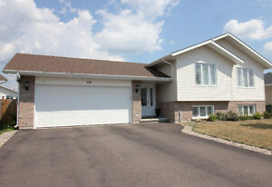 MLS 1024266 - Spacious family home, convenient locaation