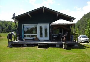 Cottage (4 seasons) water front for sale