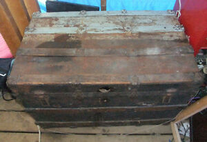 Antique metal and wood steamer trunk West Island Greater Montréal image 2