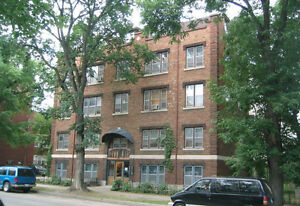 1 bedroom apt, sublet for Sep & Oct, new lease available Nov 1.