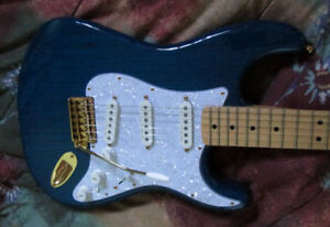 Fender Stratocaster Deluxe Player's (Sapphire Blue Transparent)
