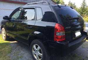 2008 Hyundai Tucson SUV - Black, Manual