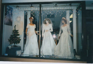 ANXIOUS TO SELL...LIFE~SIZED LADY MANNEQUINS(+one little girl)
