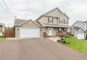 DIEPPE FOX CREEK - IMMACULATE HOME - FENCED - NICELY LANDSCAPED