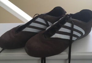 Adidas shoes brown with baby blue stripes