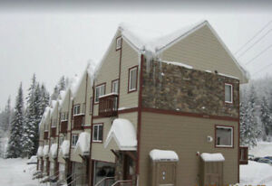 WHITEFISH MTN  DELUXE CONDO SKI IN & OUT AVAILABLE
