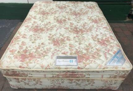 Excellent Sealy Brand queen bed set. Delivery can be organised