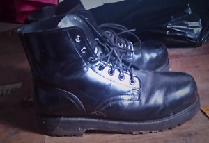 Practically New Men's Work Boots