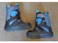 Snowboard Boots - Burton UK1