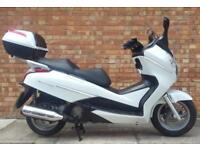 Honda FES S-wing 125cc (13 REG) white, Showroom condition with only 2781 miles!