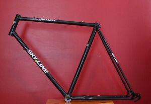 """22"""" (56cm) Cadre en acier / frame + Bottom Bracket"""