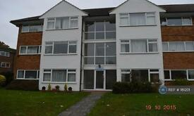 2 bedroom flat in Lavender Court, West Molesley, KT8 (2 bed)