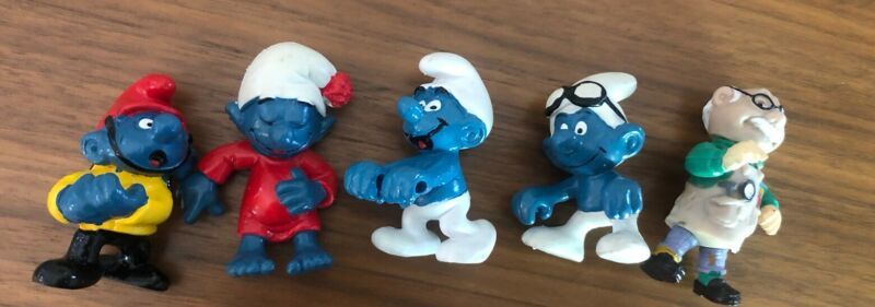 Lot Of Vintage Smurf Figures