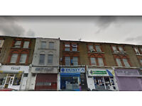 Lovely one bed flat on the second floor available in Kensal Green, HB and DSS accepted.